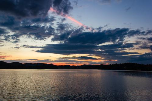 sunset summer sky lake mountains clouds ciel québec été nuages coucherdesoleil montagnes 2015 lacdessables sainteagathedesmonts baiemajor