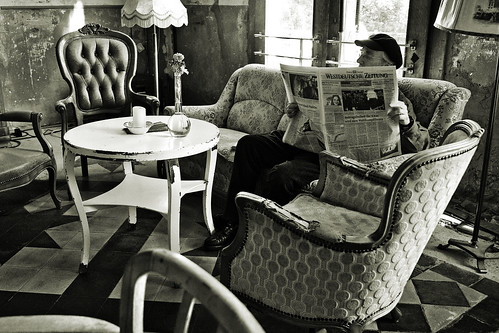 An exclusive cafe....... 12 | by diarnst