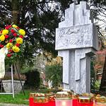 Kranz der HOG zu Allerheiligen am Denkmal der Billeder