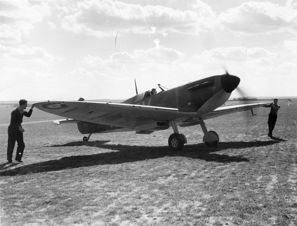 Supermarine Spitfire Mk Ia, X4474 QV-I  Here is the plane