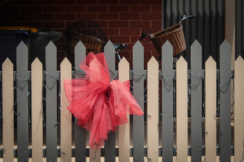 Fence Bow