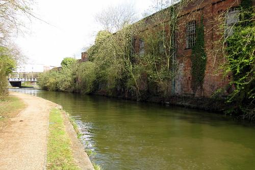 canon ixus 220hs grand union canal milton keynes buckinghamshire water trees derelict warehouse bridge savefop