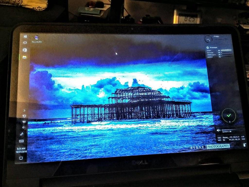 Nice clean desktop #windows10 #rainmeter #enigma | Brian Girvan | Flickr