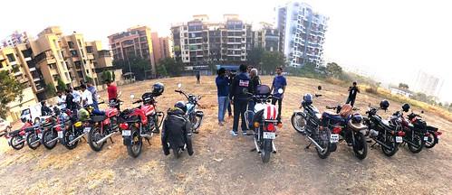 "rd350 yamaha motorbike motorbikes bike bikes motorcycle motorcycles mumbai india riding torq ""palm beach"" lineup club members ""bombay club"" vashi"