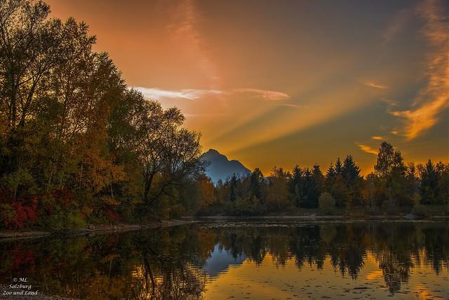 Kleiner idyllischer See bei Salzburg