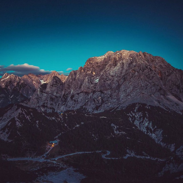 Vrsic mountain pass just before the dark. #mountains #landscape #outdoors #outdooradventurephotos #alps #livefolk #liveauthentic #lifestyle #beautifuldestinations #hiking #ourplanetdaily #ptk_nature #earthofficial #earthpix #igslovenia #slovenia #vrsic