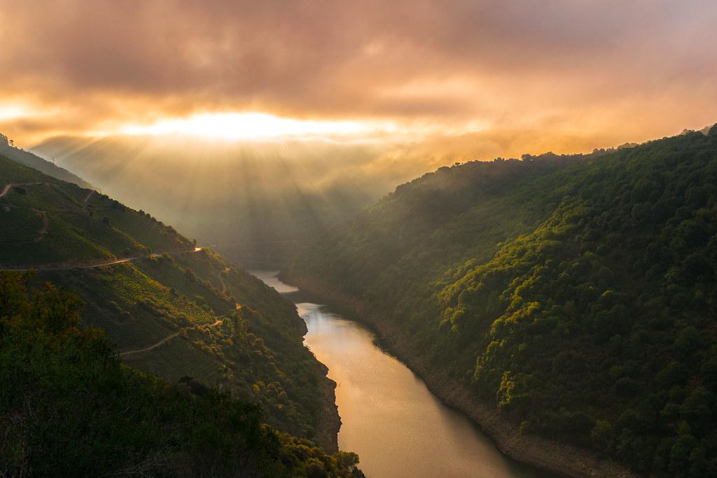 Amanece sobre el Río Sil, Galicia