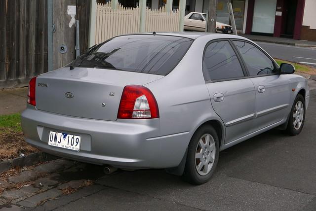 2001 Kia Spectra (FB) LS hatchback