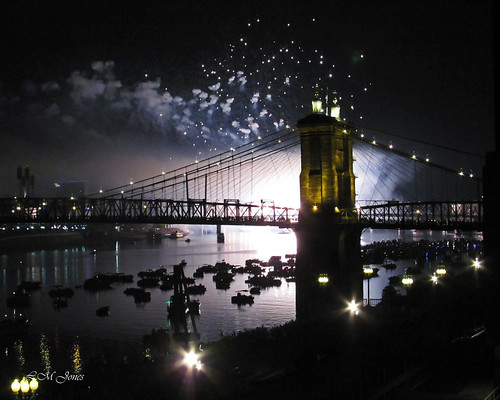 bridge light ohio sky night view fireworks weekend kentucky cincinnati indoor annual suspensionbridge laborday ohioriver windowshot covington roebling throughwindow rozzi webn explored 20150906riverfest