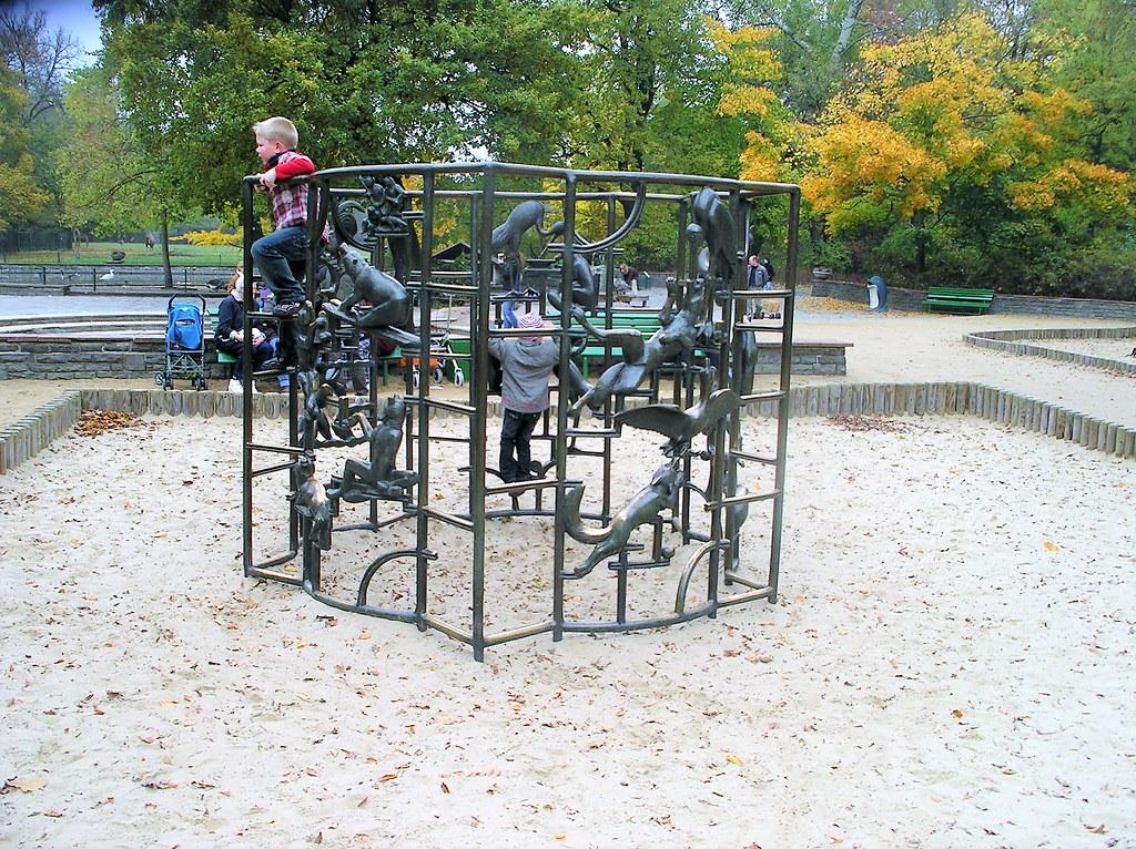 Klettergerüst English : Berlin o klettergerüst mit märchentierfiguren von wau flickr