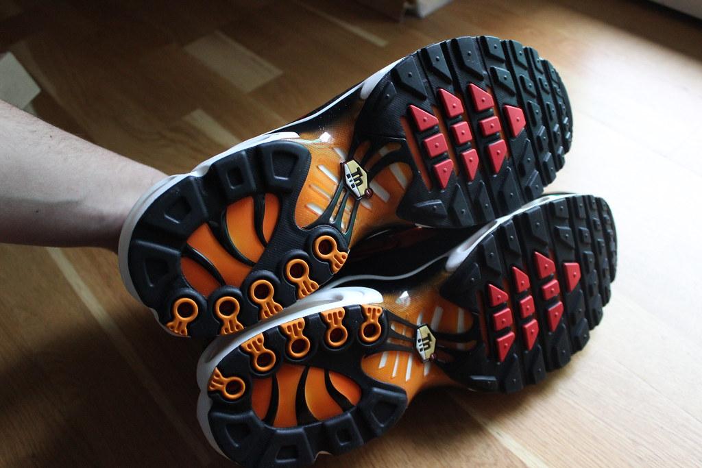 finest selection 46de8 2e798 ... AIR MAX PLUS TN BRIGHT CERAMINC RESIN-PIMENTO-BLACK 2012 604133-886