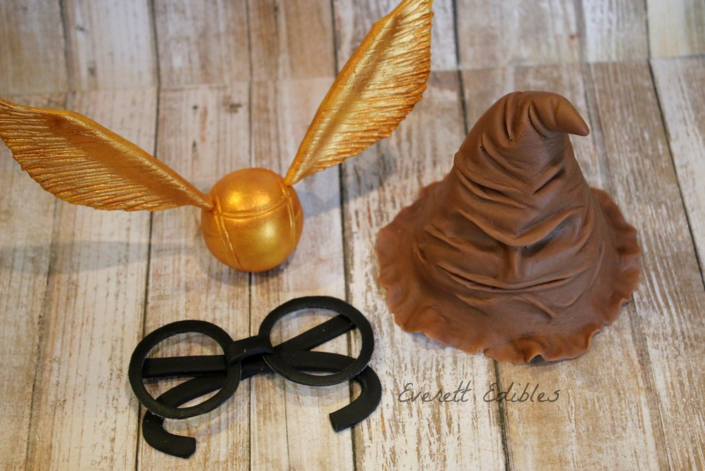 Harry Potter Fondant Cake Topper Cake Decoration Golden Sn
