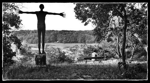 park sachsen muldental deutschland 2015 grimma best panoramio1382370128312038 handyfoto samsung juttapark statuen kreuzmensch