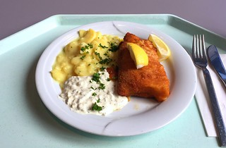 Baked coalfish filet with remoulade & potato salad / Gebackenes Seelachsfilet mit Remoulade & Kartoffelsalat | by JaBB