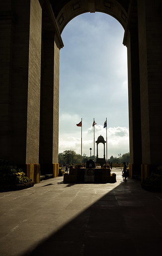 shadow india sunrise 35mm memorial gate sony a7