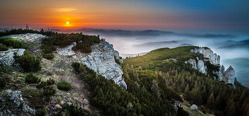 mountains zeiss sunrise landscape nikon romania distagon neamt rasarit ceahlau