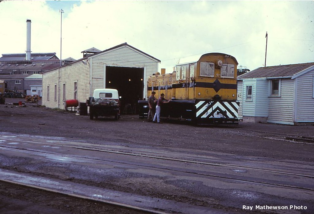 Whakatane Board Mlls loco being repainted Jan 1970