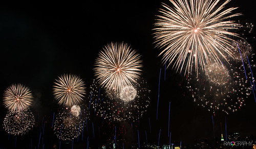 4th of July Fireworks on East River | by RAYOGRAPHY