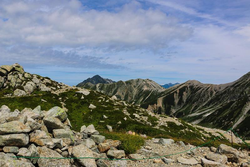 立山から見える剱岳