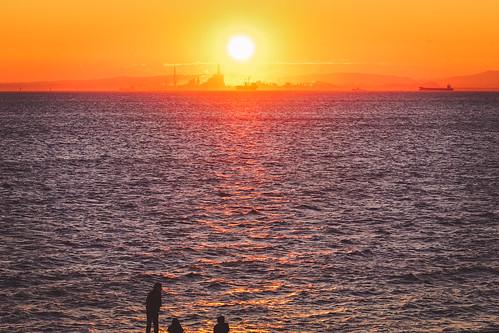 sunrise yokohama firstlight sal70300g laea3 yokohamasymboltower ilce7m2