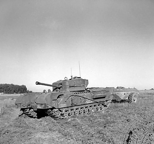 Churchill krokodil vlammenwerper tank in rust (1944)