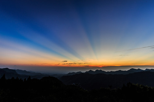 light sunset sky sunlight mountain mountains color colors beautiful skyline clouds canon landscape colorful dusk ngc taiwan wideangle bluesky 夕陽 台灣 chiayi 天空 阿里山 alishan 6d 嘉義 1635 wideanglelens 色彩 竹崎 chiayicounty 晨昏 色溫 霞光 嘉義縣 色調 天際線 canon6d 夕彩 石棹 1635f4l