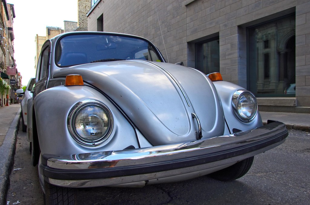 Choupette en visite a Québec --- Herbie visiting Quebec city --- Cupido motorizado