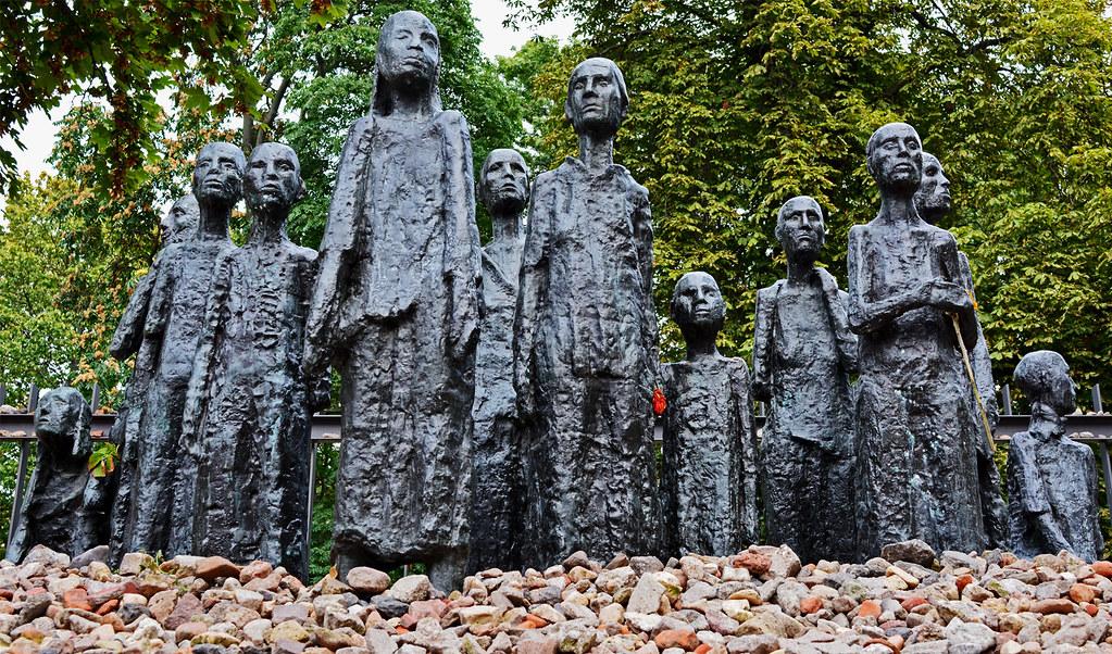 Holocaust Monument at the Große Hamburgerstraße Cemetery DSC_0409