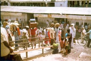198004.653.indien.fähre.patna
