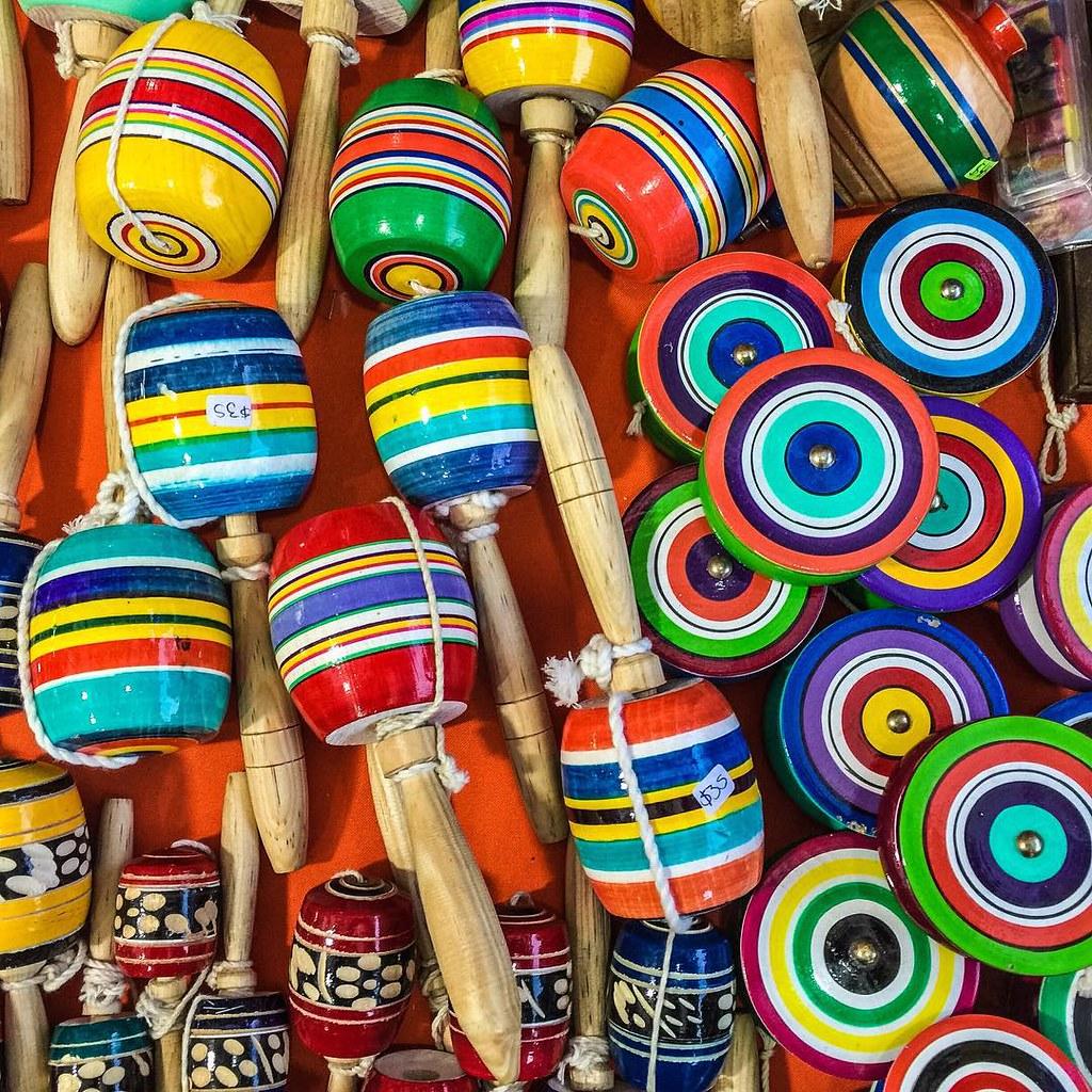 El balero es uno de los juguetes tradicionales de México