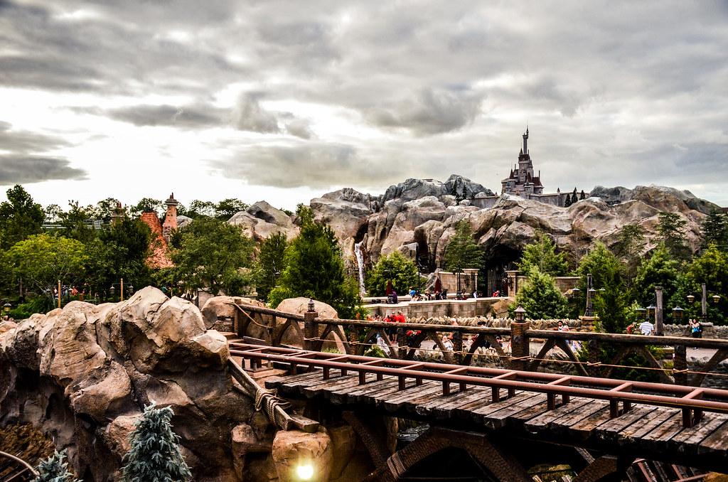 MK Beasts Castle Mine Train 2