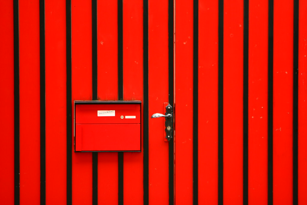 Rotes Tor / Portón rojo