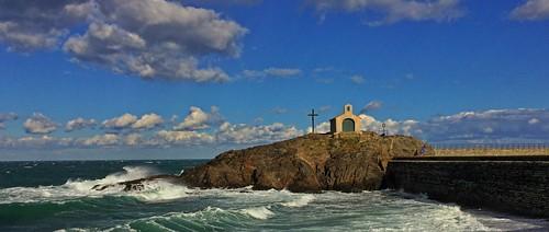 frankrike france sea collioure chapel wind tramontane sun autumn