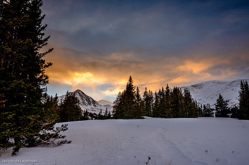 colorado fatherdyerpeak franciescabin northamerica tenmilerange unitedstates clouds color landscape mountain mountains snow sun sunset tree trees breckenridge us