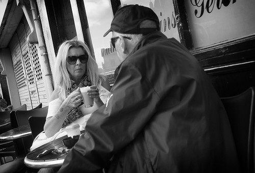 street blackandwhite bw woman white man black blancoynegro coffee monochrome photography mono cafe noiretblanc zwartwit candid olympus unposed 黑白 biancoenero omd mft em5 1442mm schwarzundweis