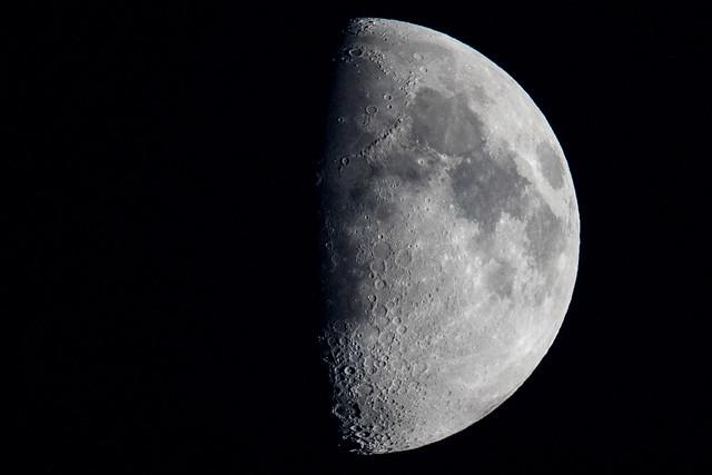 Moon 60% Waxing Gibbous 230815_
