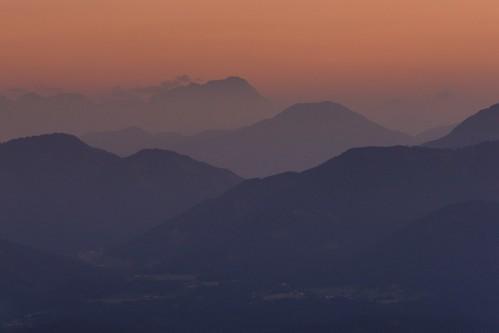 sunset mountain mountains berg landscape haze sonnenuntergang outdoor kärnten carinthia berge hazy dunst sonyα900 minoltaaf20028