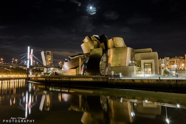 Guggengeim Bilbao de noche.