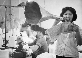 HANOI 1968 - Nguen Tkhi Lien Khyong Reading News Through Bullhorn - Nguyễn thị Liên Khương đọc tin tức qua loa | by manhhai