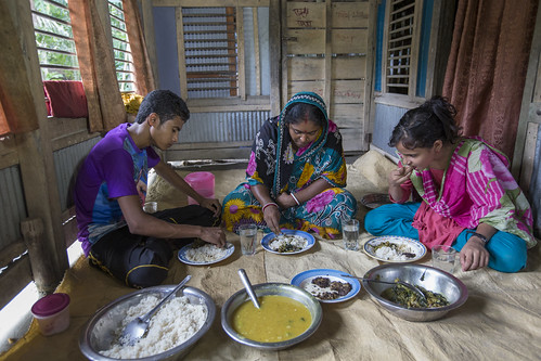 A family eating mola for lunch in Khulna, Bangladesh. Photo by Yousuf Tushar. | by WorldFish