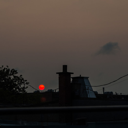 morning roof red summer urban cloud sun rooftop clouds sunrise square pentax cloudy montreal squareformat mileend k5 redsun pentaxk5 k5ii pentaxk5ii
