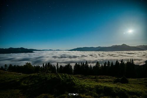 spittal lendorf austria österreich kärnten carinthia mountains berge sonnenaufgang sunrise night nacht morning morgen hunter jäger moon mond moonlight long exposure langzeitbelichtung mondschein stars sterne