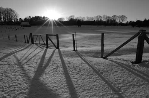sun snow cold rural landscape shadows pentax country northcarolina scene f10 wintersolstice sunburst shadowplay 15mm snowscape kingsmountainnc k5ii