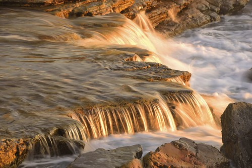 aus australia newsouthwales swanseaheads nikond750 nikon1635mmf4 seascape chalkybeach rocks watermovement
