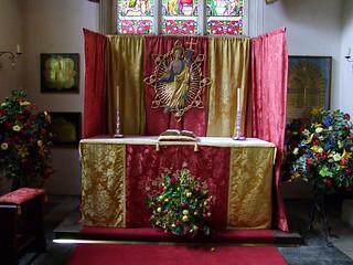 Suffolk Regiment chapel altar (Ninian Comper, 1935)