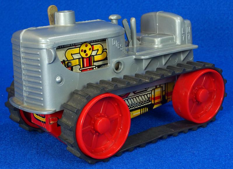RD9481 Vintage Marx Toy Diesel Tractor Wind Up DSC06244