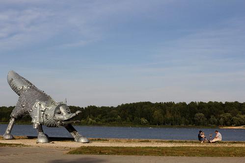 family summer sculpture baby lake art water statue landscape meer hill baltic zomer fox lithuania landart siauliai litouwen lietuva tamron1750f28 šiauliai canoneos60d talkša talkšalake viliuspuronas