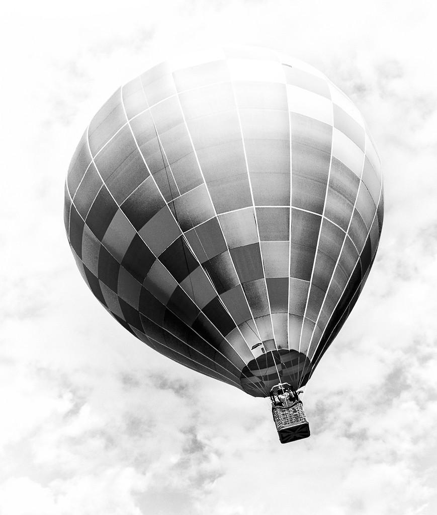 Balloon in flight #4   Ravenna Balloon-a-Fair, Ravenna, OH ...