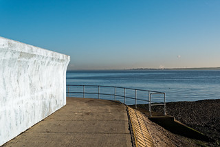 Canvey sea wall | by sczscz