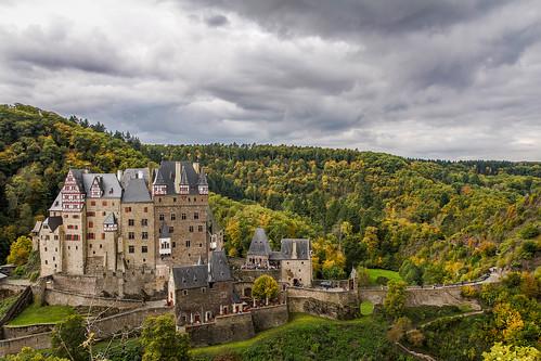 autumn green castle clouds forest canon high dynamic herbst wolken grün wald rheinland hdr pfalz burg mosel eltz mittelalter 700d